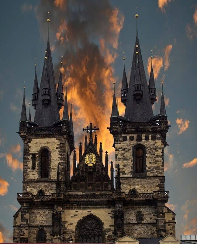 כנסיית ואצלב מטורפת בגודלה
