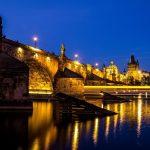 לבקר בפראג בלילה