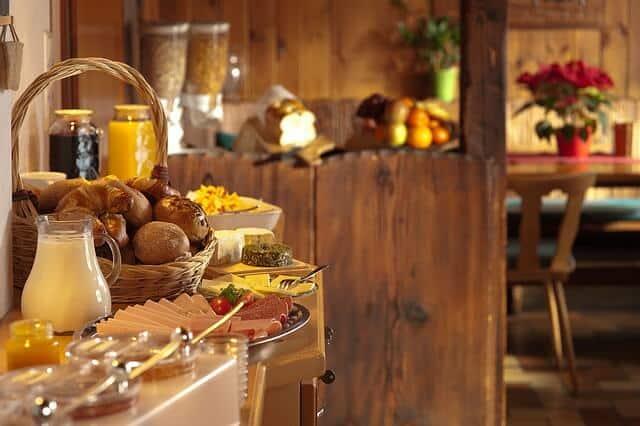 ארוחת בוקר מושקעת במלון בפראג