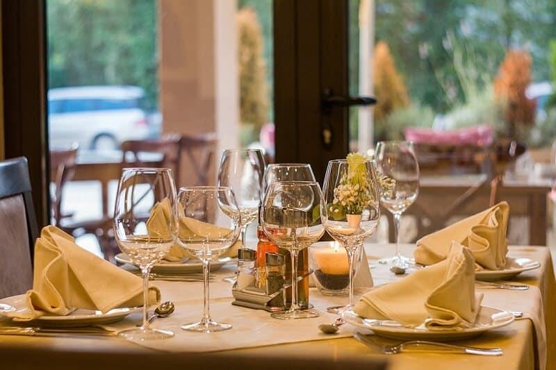 מסעדה בפראג מוכנה לסועדים