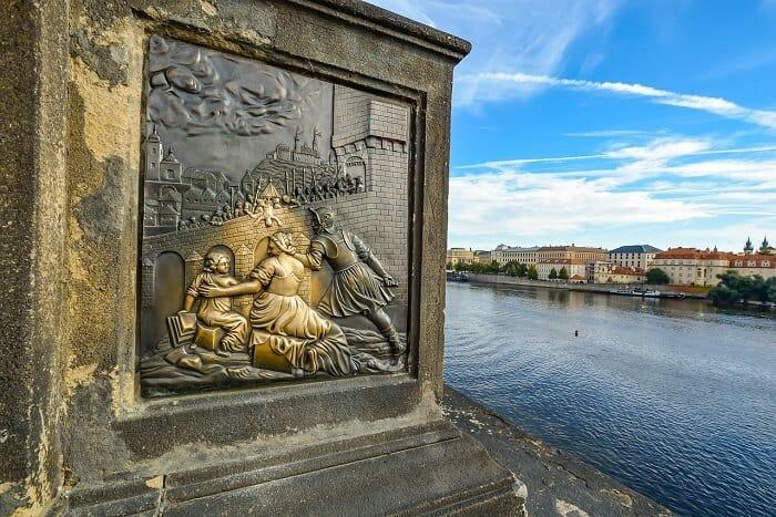 פסל על גשר קארל