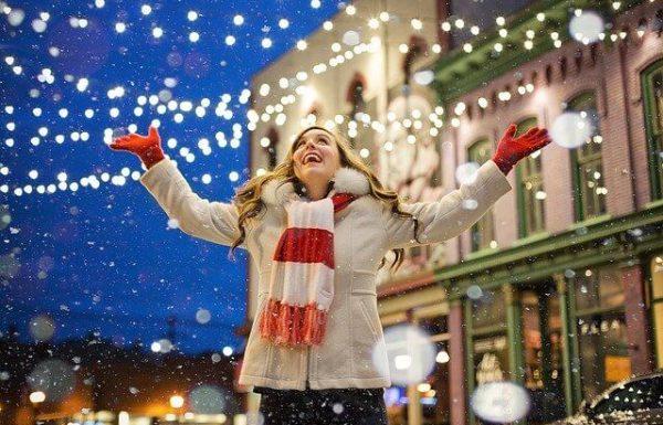 שווקי חג המולד בפראג – קסם חורפי עם ריחות של חג